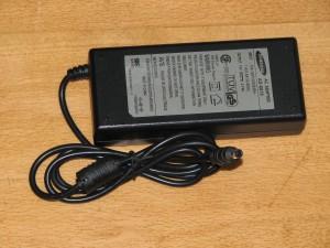 Блок питания для ноутбуков Samsung 19V 4.74A, разъем 6.5/4.4mm с центр. пином (оригинальный)
